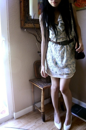 vintage dress - vintage belt - vintagelc purse - vintage shoes