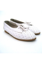 White Sentiments Shoes