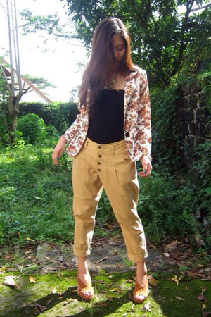off white floral print coat - camel pants - bronze velvet heels