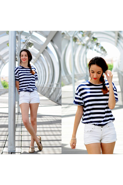 navy navy Zara t-shirt - white Bershka shorts - mustard Alex Silva sandals