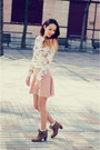 Camel-booties-xti-boots-light-pink-skirt-stradivarius-skirt