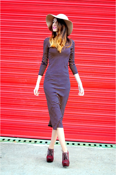 navy striped Dolores Promesas dress - neutral Bershka hat