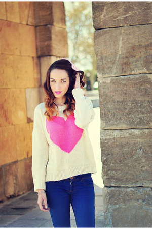cream heart 6ks sweater