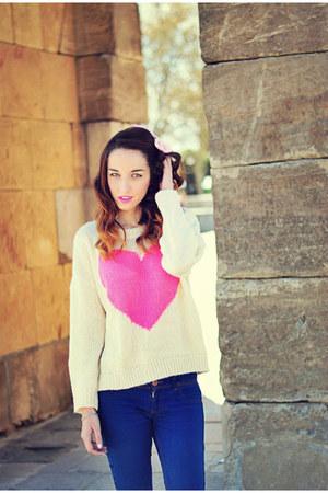 cream heart 6ks sweater