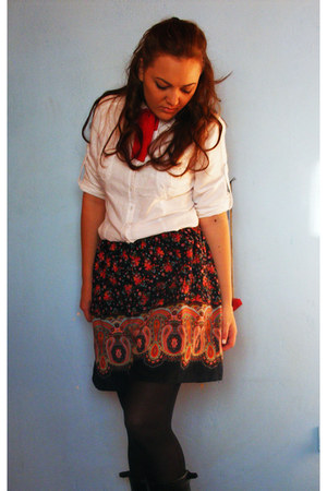 random skirt - white H&M shirt - red bow tie DIY necklace