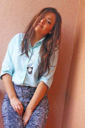 turquoise blue Esprit shirt - leather handmade necklace