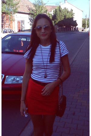 red Vero Moda skirt - white Bershka t-shirt