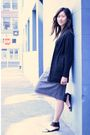 Black-elie-tahari-cardigan-white-james-perse-t-shirt-black-kelsi-dagger-shoe