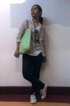 white Fortune Cookie shirt - black jeans - beige Converse shoes - green
