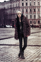 black zara boots - dark brown stradivarius coat - black leggings