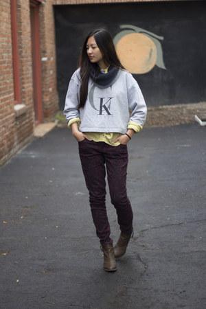 crimson baroque Nordstrom jeans - dark gray H and M scarf