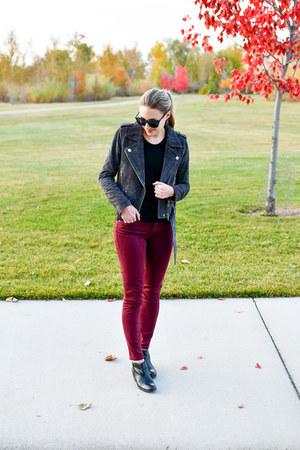 black everlane sweater - black sam edelman boots