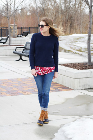 red floral Target top - brown llbean boots - blue Loft jeans