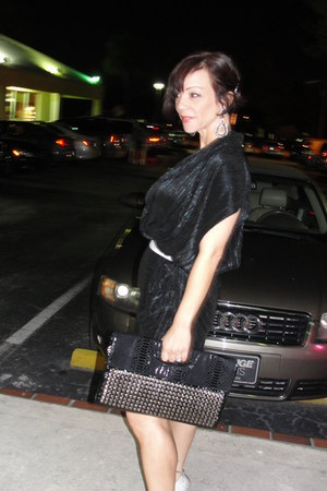 periwinkle Aldo pump shoes - black Cintia Rowley dress - black vintage purse - s