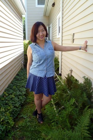 blue polka dot Aeropostale skirt - black unknown heels