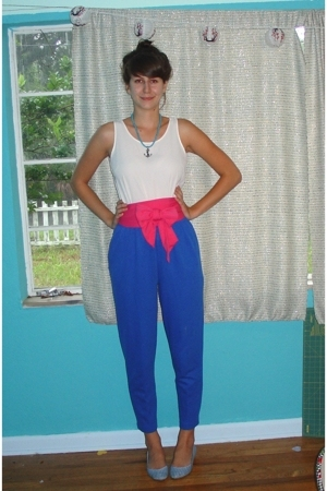 thrifted from the 90s shirt - thrifted pants - American Apparel scarf - forever