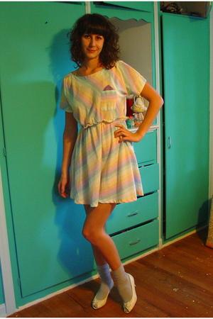 vintage dress - vintage shoes - Target socks