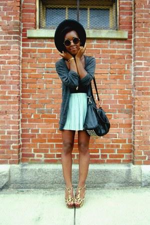 black bag - navy wide-brimmed hat - dark brown leopard print heels