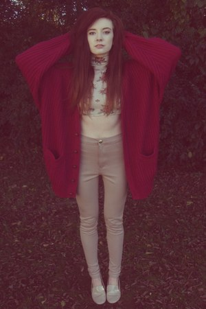 maroon oversized thrift cardigan - beige high waisted GoJane pants