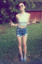 white clear cat eyes Urban Outfitters sunglasses - navy Levis shorts