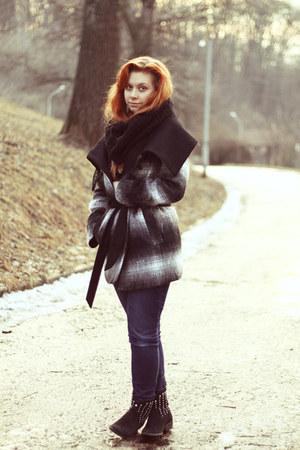 black reserved coat