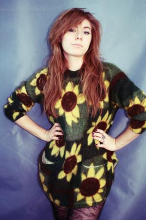 green wool moms sweater