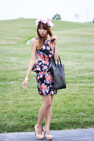 Forever21 dress - Givenchy bag - Vince Camuto heels - DIY hair accessory