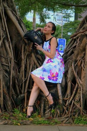 black leather Furla bag - purple jersey DressLink dress - black suede CMG heels