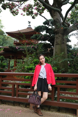 dark brown from Korea boots - red Stradivarius jacket