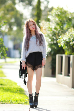 knit Bayla sweater - lace markethq shorts