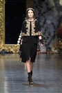 Black-lace-dolce-gabbana-dress-gold-dolce-gabbana-accessories
