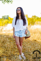 DIY Crmenes de la Moda shorts - Zara sandals