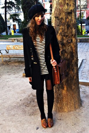 brown oxfords Zara shoes - black Zara coat - black stripes Mango shirt - brown v