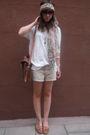 White-zara-t-shirt-beige-hm-shorts-brown-zara-shoes-brown-accessories-br