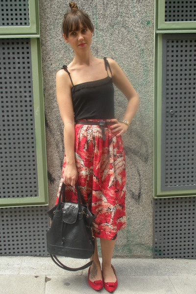 red vintage from templo de susu skirt - black BLANCO top - red hazel shoes - bla