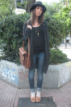gray vintage from retrocity hat - gray Zara cardigan - blue Zara jeans - black Z