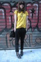 yellow vintage t-shirt - black Mango pants - black hazel boots - black Zara acce
