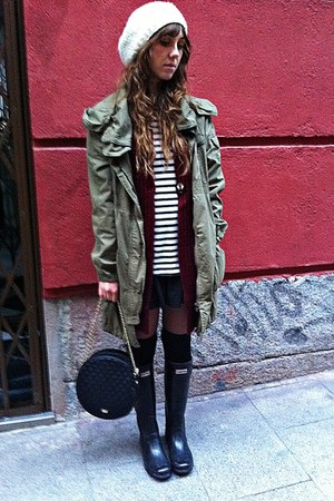 parka Zara coat - Hunter boots - stripes Mango shirt - Mango bag - Sfera vest