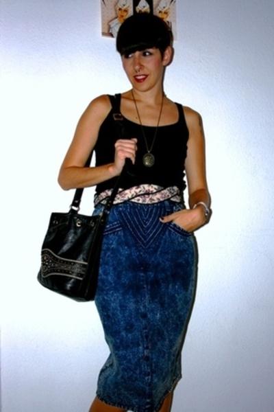 H&M t-shirt - vintage skirt - vintage belt - Hispanitas purse