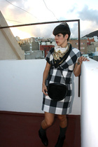 vintage dress - Vinatge scarf - vintage purse - nenufar shoes