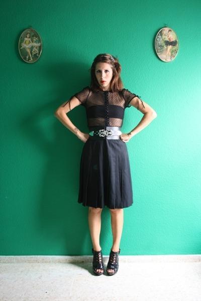 black H&M blouse - black redbow vtg skirt - black Ebay shoes - black Zara belt