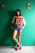 red redbow vtg shirt - blue Vtg shorts - red Bimba & Lola clogs
