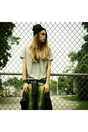 beanie Amazon hat - nike shirt