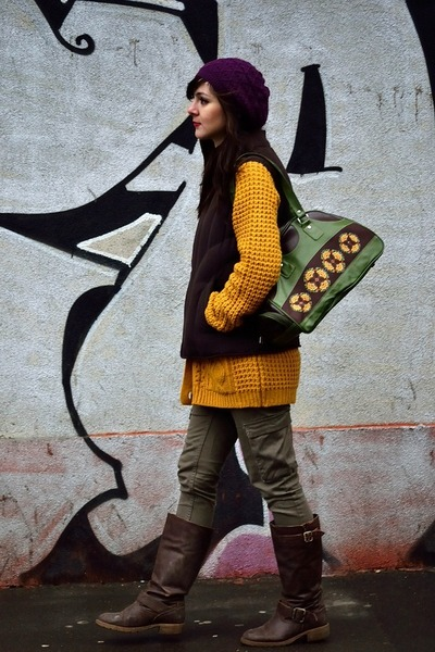H&M hat - Mini Prix boots - Lefties sweater - vintage bag - H&M pants