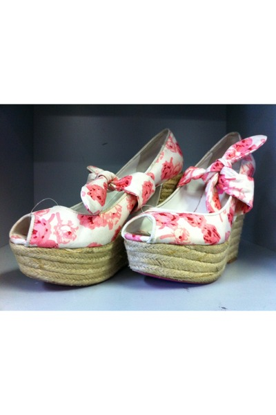 white floral Betsey Johnson wedges