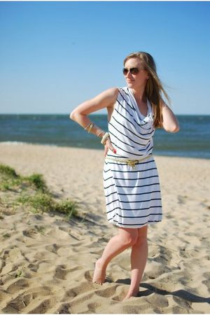white H&M dress - gold Urban Outfitters belt - brown Anthropologie sunglasses