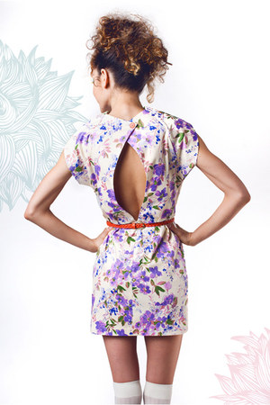 light purple floral crowned bird dress