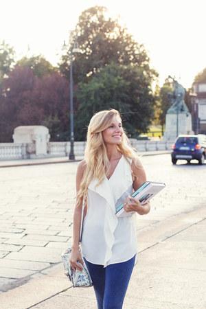 white floreal Accessorize bag - blue jeans tezenis leggings - white Zara top