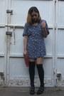 Navy-vintage-dress-red-clutch-ninewest-purse-black-marshalls-socks