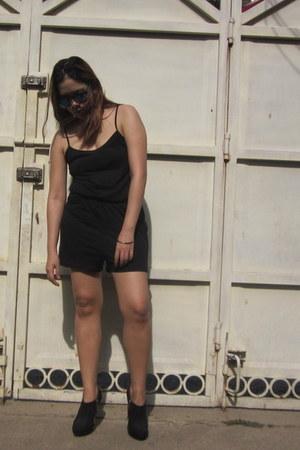 black Forever21 boots - black basic cami Zalora romper